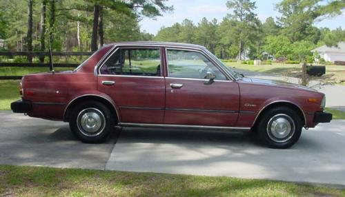 Photo Image Gallery & Touchup Paint: Toyota Corona in Red Metallic   (372)  YEARS: 1979-1980