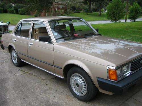 Photo Image Gallery & Touchup Paint: Toyota Corona in Beige Metallic   (4A4)  YEARS: 1981-1981