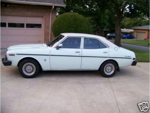 Photo Image Gallery & Touchup Paint: Toyota Coronamkii in White    (012)  YEARS: 1974-1976