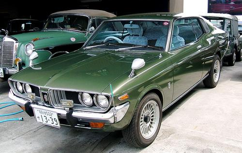 Photo Image Gallery & Touchup Paint: Toyota Coronamkii in Green Metallic   (684)  YEARS: 1974-1975