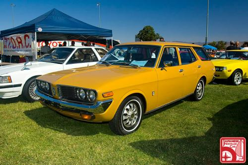 Photo Image Gallery: Toyota Coronamkii in Yellow    (XX4)  YEARS: -