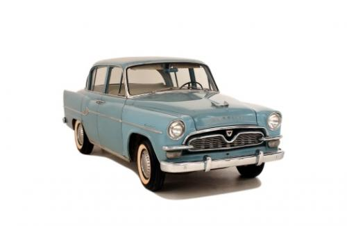 Photo Image Gallery & Touchup Paint: Toyota Crown in Capri Blue   (T310)  YEARS: 1958-1960