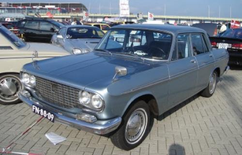 Photo Image Gallery & Touchup Paint: Toyota Crown in Foggy Silver Metallic  (T1050)  YEARS: 1965-1967