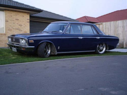Photo Image Gallery & Touchup Paint: Toyota Crown in Zenith Blue   (T1335)  YEARS: 1968-1971