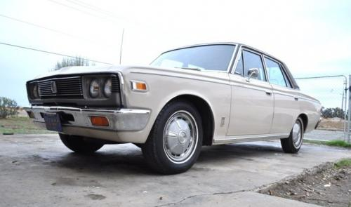 Photo Image Gallery & Touchup Paint: Toyota Crown in Usse White   (T1427)  YEARS: 1968-1971