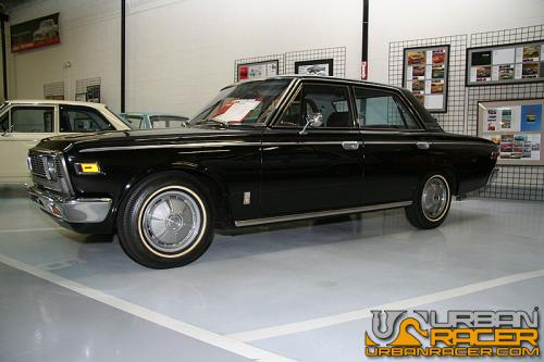 Photo Image Gallery & Touchup Paint: Toyota Crown in Black    (T26)  YEARS: 1968-1971