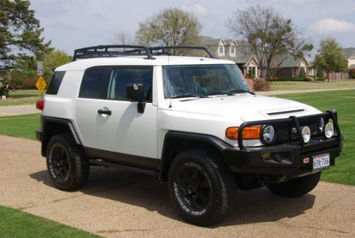 Photo Image Gallery & Touchup Paint: Toyota Fjcruiser in Iceberg    (058)  YEARS: 2008-2014