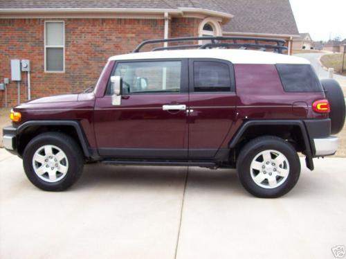 Photo Image Gallery & Touchup Paint: Toyota Fjcruiser in Black Cherry Pearl  (2JT)  YEARS: 2007-2007