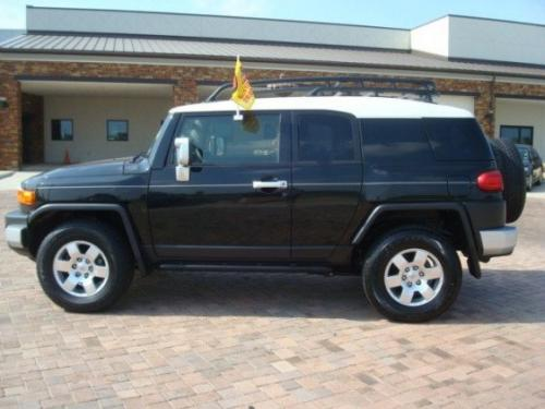 Photo Image Gallery & Touchup Paint: Toyota Fjcruiser in Black Diamond Pearl  (2JW)  YEARS: 2007-2008