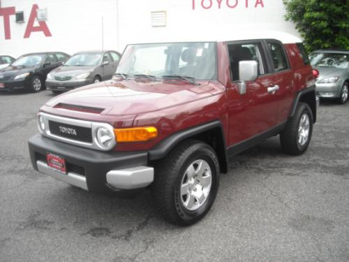 Photo Image Gallery & Touchup Paint: Toyota Fjcruiser in Brick    (2JX)  YEARS: 2008-2011