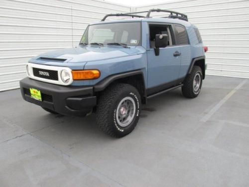Photo Image Gallery & Touchup Paint: Toyota Fjcruiser in Heritage Blue   (8X0)  YEARS: 2014-2014