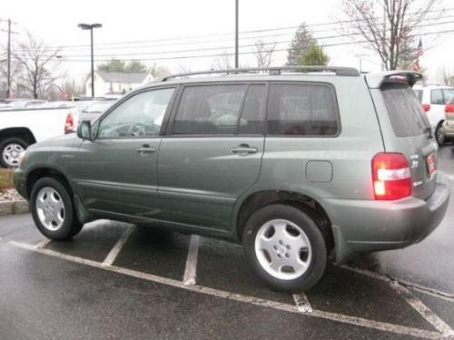 Photo Image Gallery & Touchup Paint: Toyota Highlander in Oasis Green Pearl  (6T5)  YEARS: 2004-2007