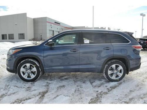 Photo Image Gallery & Touchup Paint: Toyota Highlander in Shoreline Blue Pearl  (8V5)  YEARS: 2014-2017