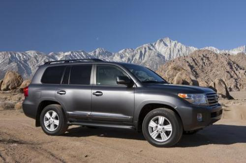 Photo Image Gallery: Toyota Landcruiser in Magnetic Gray Metallic  (1G3)  YEARS: -