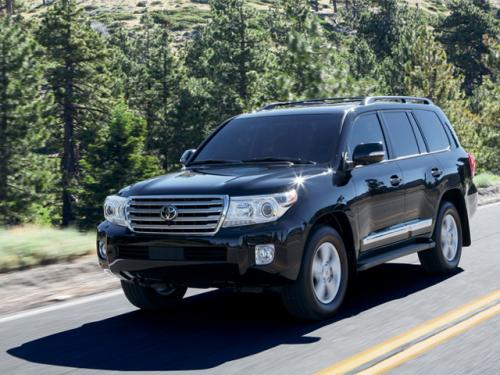 Photo Image Gallery: Toyota Landcruiser in Black    (202)  YEARS: -