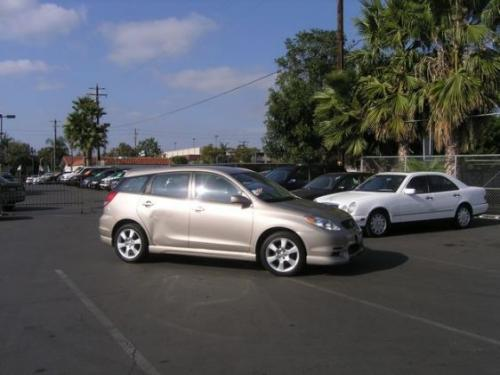 Photo Image Gallery & Touchup Paint: Toyota Matrix in Desert Sand Mica  (4Q2)  YEARS: 2003-2003