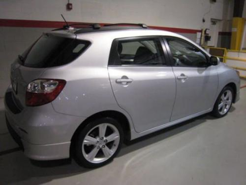 Photo Image Gallery & Touchup Paint: Toyota Matrix in Classic Silver Metallic  (1F7)  YEARS: 2009-2013