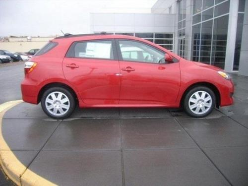 Photo Image Gallery & Touchup Paint: Toyota Matrix in Barcelona Red Metallic  (3R3)  YEARS: 2013-2013
