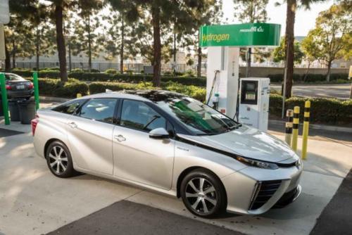 Photo Image Gallery & Touchup Paint: Toyota Mirai in Elemental Silver Metallic  (2MR)  YEARS: 2016-2017