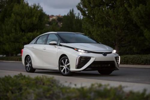 Photo Image Gallery & Touchup Paint: Toyota Mirai in Crystal White   (2NL)  YEARS: 2016-2017