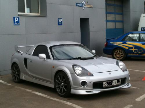 Photo Image Gallery & Touchup Paint: Toyota Mr2 in Liquid Silver Metallic  (1D0)  YEARS: 2000-2002