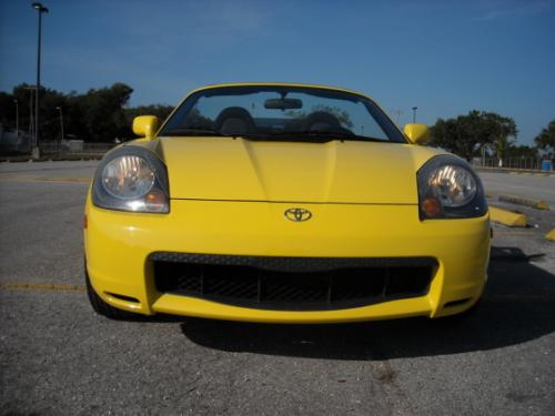 Photo Image Gallery & Touchup Paint: Toyota Mr2 in Solar Yellow   (576)  YEARS: 2000-2005