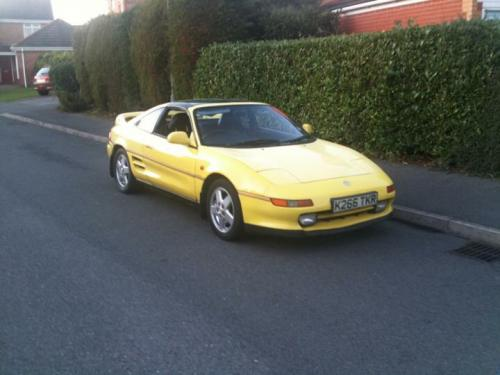 Photo Image Gallery & Touchup Paint: Toyota Mr2 in Signal Yellow   (567)  YEARS: 1991-1993