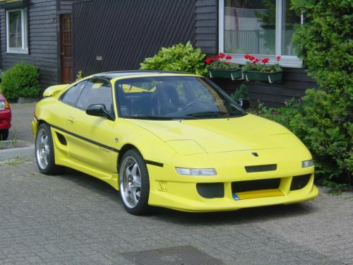 Photo Image Gallery & Touchup Paint: Toyota Mr2 in Solar Yellow   (576)  YEARS: 1994-1995