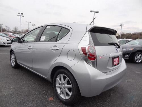 Photo Image Gallery & Touchup Paint: Toyota Priusc in Classic Silver Metallic  (1F7)  YEARS: 2012-2017