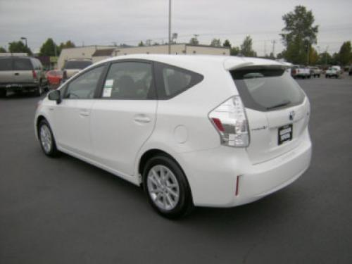 Photo Image Gallery & Touchup Paint: Toyota Priusv in Super White   (040)  YEARS: 2012-2017