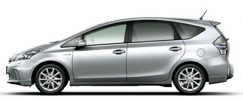 Photo Image Gallery & Touchup Paint: Toyota Priusv in Classic Silver Metallic  (1F7)  YEARS: 2012-2017