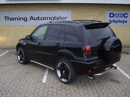 Photo Image Gallery & Touchup Paint: Toyota Rav4 in Black    (202)  YEARS: 2001-2005