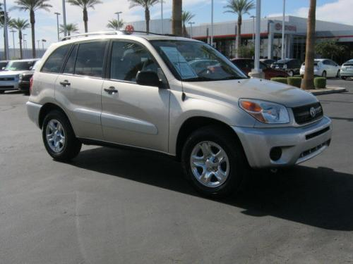Photo Image Gallery & Touchup Paint: Toyota Rav4 in Savannah Metallic   (4R4)  YEARS: 2004-2005