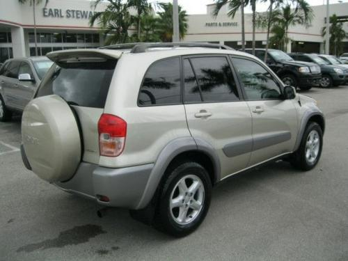 Photo Image Gallery & Touchup Paint: Toyota Rav4 in Vintage Gold Metallic  (586)  YEARS: 2001-2003