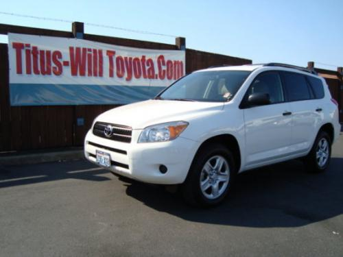 Photo Image Gallery & Touchup Paint: Toyota Rav4 in Super White   (040)  YEARS: 2012-2014
