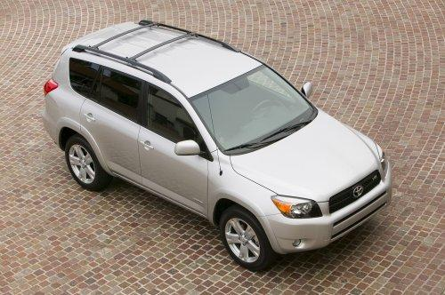 Photo Image Gallery & Touchup Paint: Toyota Rav4 in Classic Silver Metallic  (1F7)  YEARS: 2006-2012