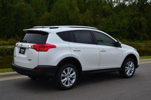Photo Image Gallery & Touchup Paint: Toyota Rav4 in Blizzard Pearl   (070)  YEARS: 2016-2017