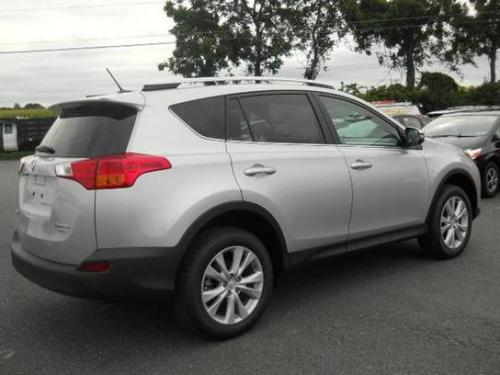 Photo Image Gallery & Touchup Paint: Toyota Rav4 in Classic Silver Metallic  (1F7)  YEARS: 2016-2016