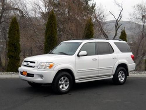 Photo Image Gallery & Touchup Paint: Toyota Sequoia in Natural White   (056)  YEARS: 2001-2006