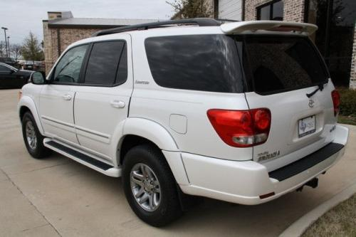 Photo Image Gallery & Touchup Paint: Toyota Sequoia in Arctic Frost Pearl  (071)  YEARS: 2005-2007