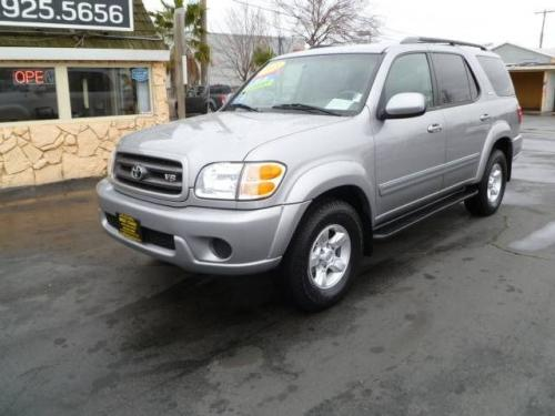 Photo Image Gallery & Touchup Paint: Toyota Sequoia in Silver Sky Metallic  (1D6)  YEARS: 2001-2007