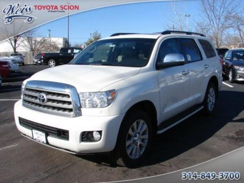 Photo Image Gallery & Touchup Paint: Toyota Sequoia in Blizzard Pearl   (070)  YEARS: 2010-2017
