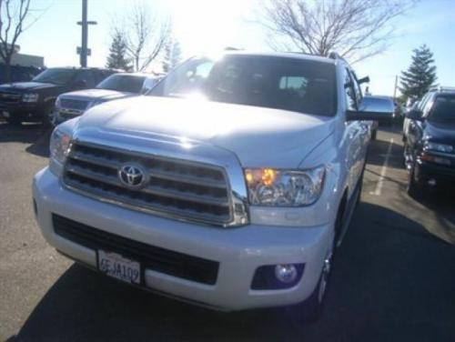 Photo Image Gallery & Touchup Paint: Toyota Sequoia in Arctic Frost Pearl  (071)  YEARS: 2008-2008