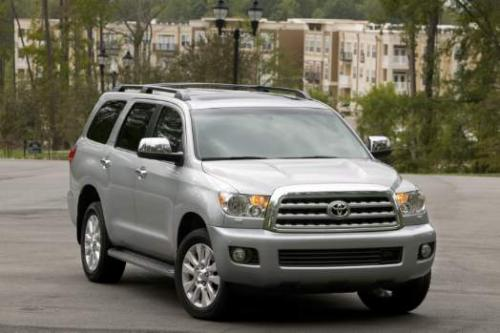 Photo Image Gallery: Toyota Sequoia in Silver Sky Metallic  (1D6)  YEARS: -
