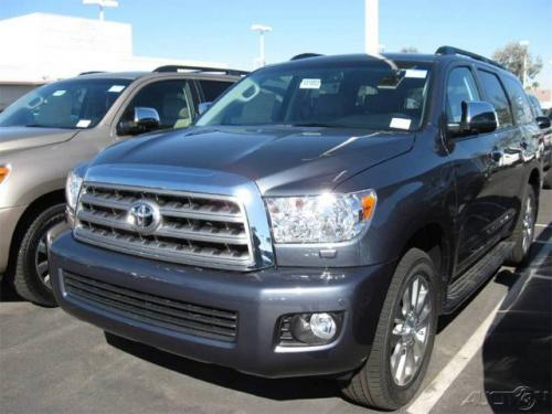Photo Image Gallery: Toyota Sequoia in Slate Metallic   (1F9)  YEARS: -