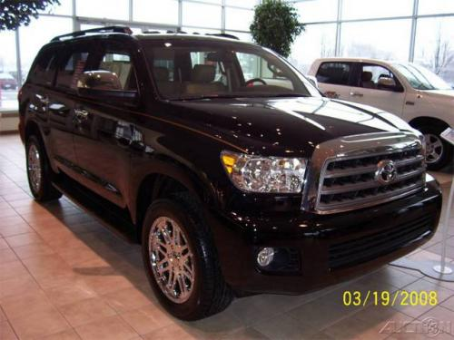 Photo Image Gallery: Toyota Sequoia in Black    (202)  YEARS: -