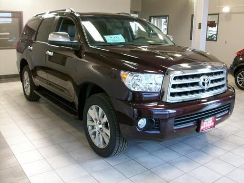 Photo Image Gallery & Touchup Paint: Toyota Sequoia in Sizzling Crimson Mica  (3R0)  YEARS: 2018-2018