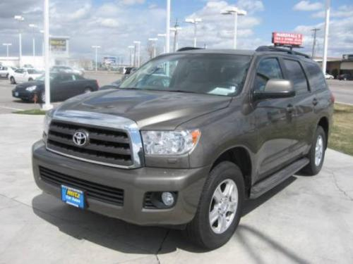 Photo Image Gallery: Toyota Sequoia in Pyrite Mica   (4T3)  YEARS: -