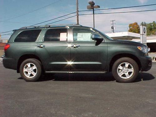 Photo Image Gallery & Touchup Paint: Toyota Sequoia in Timberland Mica   (6T8)  YEARS: 2008-2008