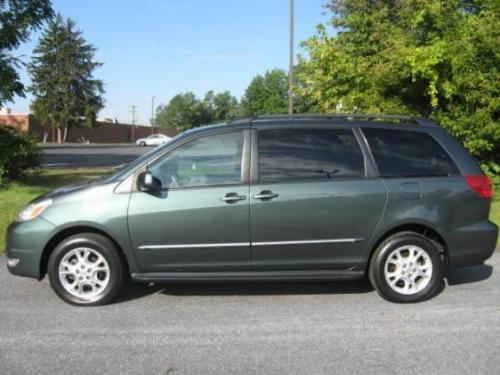 Photo Image Gallery & Touchup Paint: Toyota Sienna in Aspen Green Pearl  (6S7)  YEARS: 2004-2005